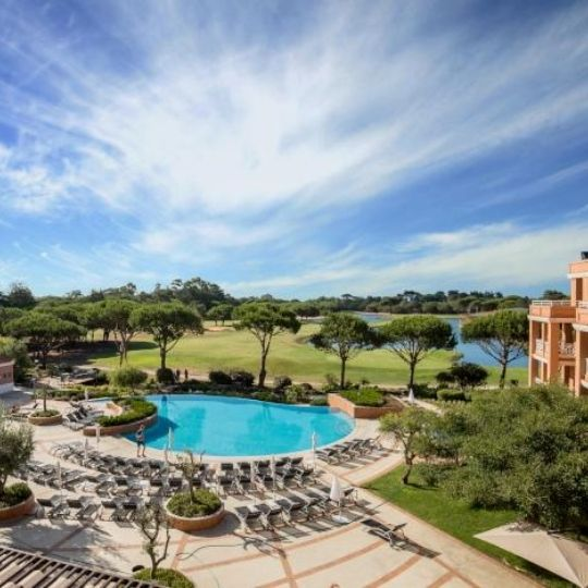 Cascais hotel with pool