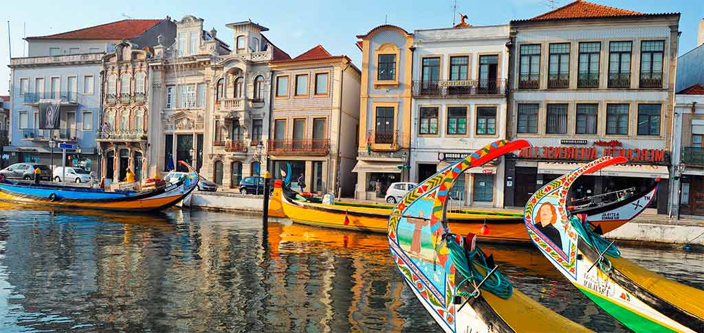 What are the advantages of the blue card in Portugal?