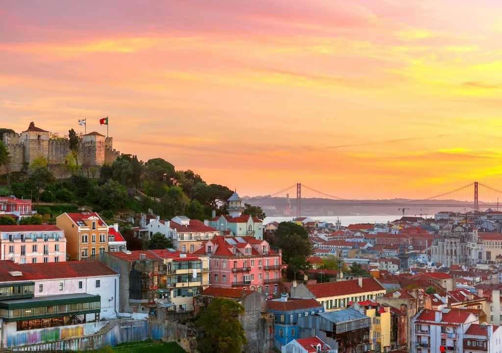 Лиссабон — лучший город для инвестирования по отчетам BIG4