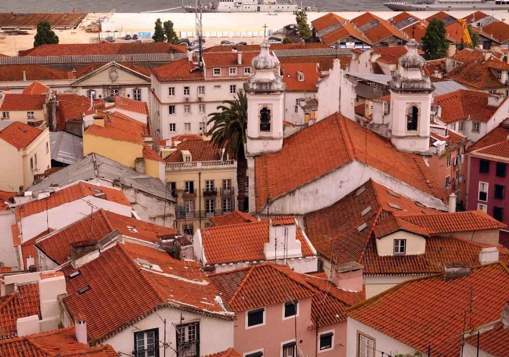 """Чего достигла Португалия в рамках программы """"Золотая виза""""?"""