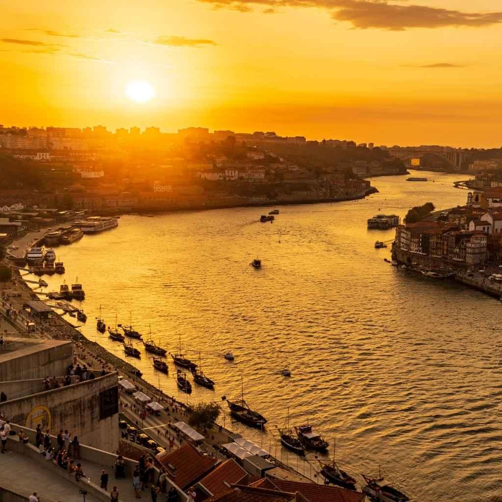 Почему именно Португалия?