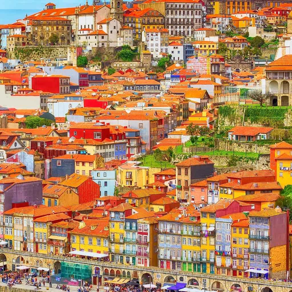 How to open a business in Portugal and get a residence permit for investment. Valeria's story.